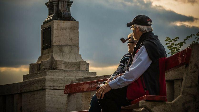 Otro golpe al turismo: el Gobierno cancela la temporada de viajes del Imserso