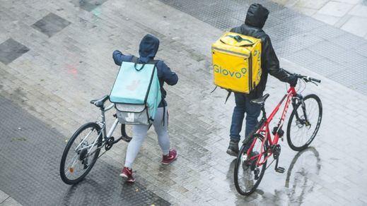 Riders: Glovo asegura que los repartidores prefieren ser autónomos y las asociaciones piden aplicar ya la sentencia