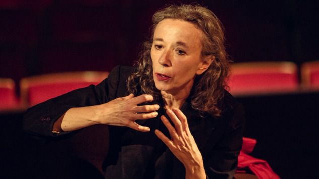 Ana Vallés: 'Prefiero el balbuceo a la sentencia'