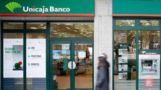 Unicaja confirma contactos 'preliminares' con Liberbank para una posible fusión