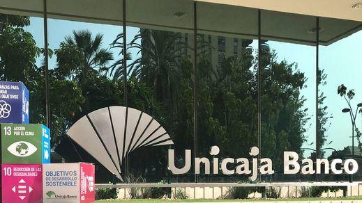 Unicaja y Liberbank formalizan las conversaciones para negociar su fusión