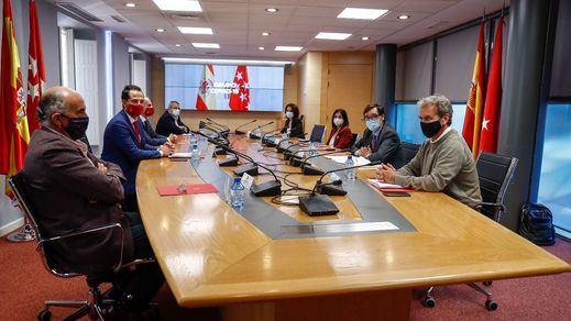 El 'Grupo Covid-19' de los gobiernos central y madrileño se podría reunir urgentemente esta tarde