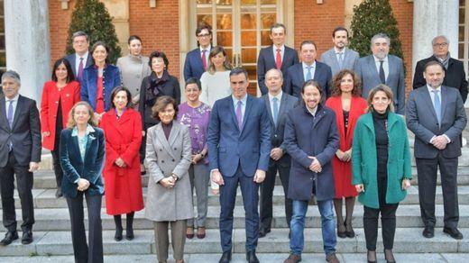 Acusan al Gobierno de hipocresía: ¿se fueron varios ministros de Puente y tuvieron que regresar a Madrid de urgencia?