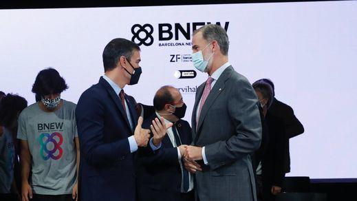 El Rey celebró con Sánchez el acto empresarial en Barcelona entre protestas y quema de fotografías