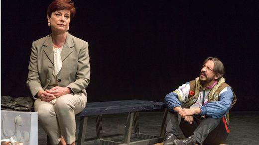 Crítica de la obra de teatro 'En el lugar del otro': un acicate para el pensamiento, el análisis y la controversia