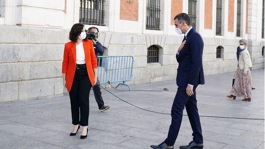 Ayuso acusa a Sánchez en el Financial Times de 'romper el consenso de las dos Españas'