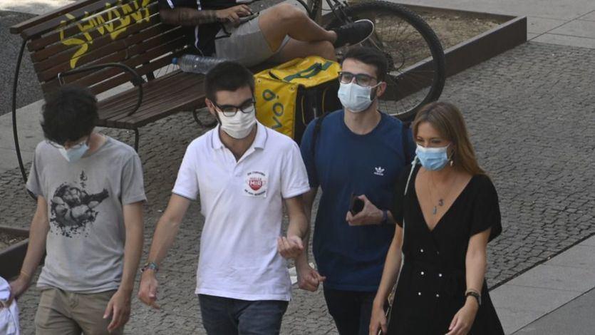 Granada endurece sus restricciones: aforo al 50% y cierre de bares y comercios a las 22 horas