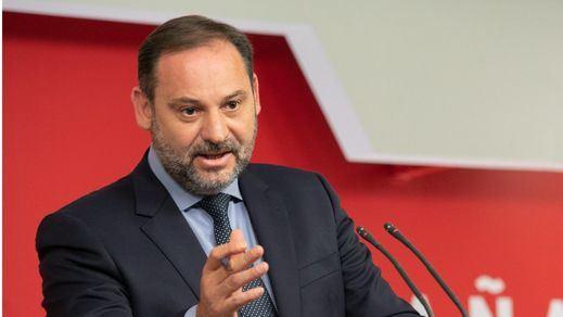 El PSOE exige a Casado que vote 'no' a la moción de censura: 'Con el fascismo no caben medias tintas'