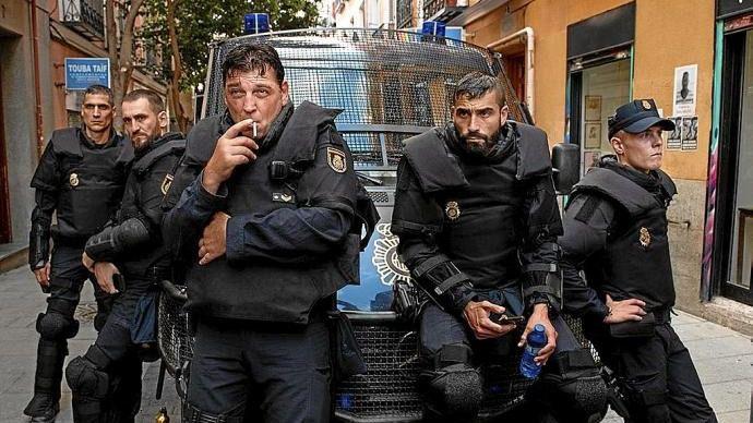 Polémica por la serie 'Antidisturbios' de Movistar: los policías critican los guiones y piden rectificaciones