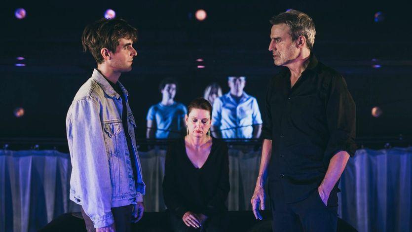 Crítica de la obra de teatro 'El chico de la última fila': realidad y ficción frente a frente