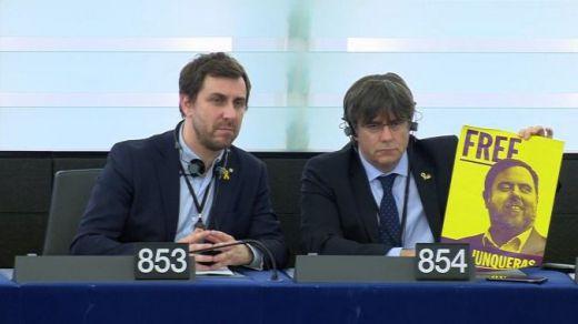 Toni Comín y Carles Puigdemont en el Parlamento Europeo