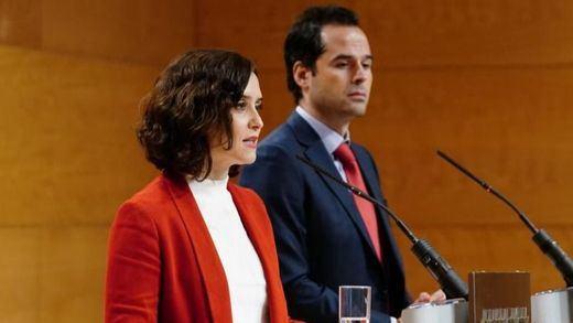 Madrid busca un 'encaje legal' de las reuniones nocturnas entre no convivientes tras el decreto del Gobierno central