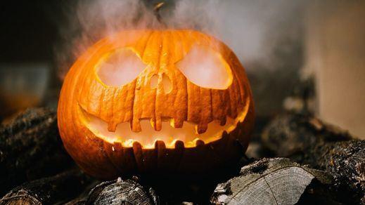 Un hombre vestido de estilo medieval mata a 2 personas y hiere a 5 en la noche de Halloween de Quebec