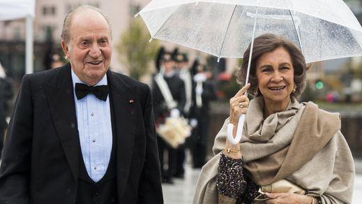 La Fiscalía asume una nueva causa contra el Rey emérito y ahora también la reina Sofía: tarjetas de crédito opacas