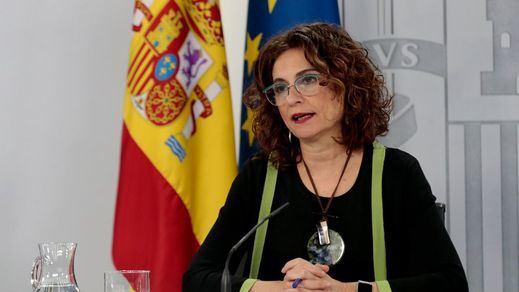 Montero abronca al PP por intentar tumbar los Presupuestos con su enmienda a la totalidad