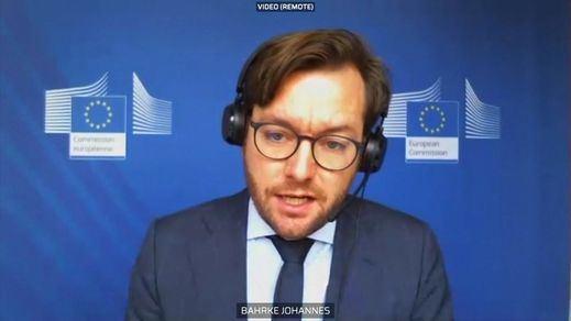 La Comisión Europea arruina los argumentos de la oposición: el plan contra las 'fake news' no es un ataque a las libertades