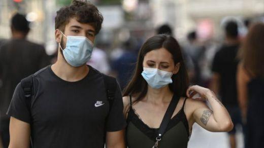 El Gobierno baja el precio máximo de las mascarillas a 0,72 euros