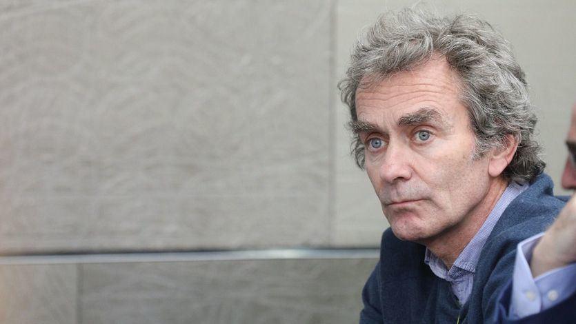Los colegios de médicos piden el cese de Fernando Simón por 'incapacidad manifiesta y prolongada'