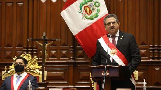 Crisis en Perú: dimite el nuevo presidente, Manuel Merino, tras 5 días de protestas por su llegada al cargo
