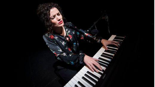 Sheila Blanco, la más polivalente de nuestras músicas, nos regala su magnífico canto a las poetas del 27 (entrevista en vídeo)