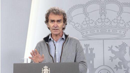 Fernando Simón rompe su silencio sobre la petición de cese de los colegios de médicos