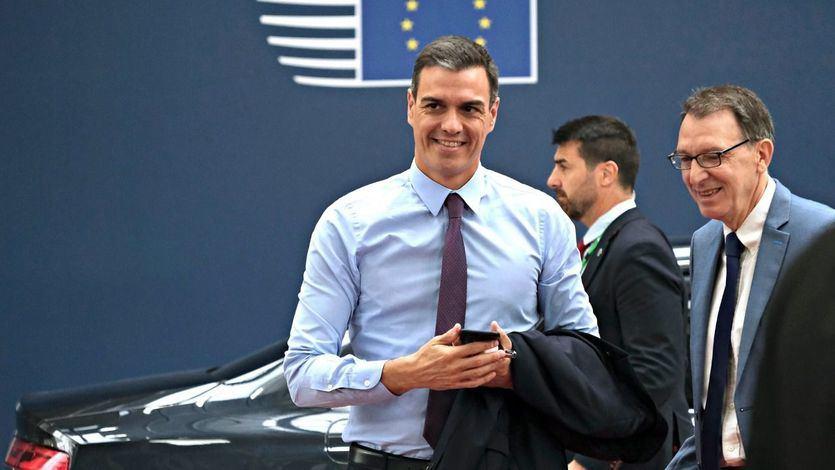 La Comisión Europea avala los presupuestos de Sánchez pero pide prestar atención a la deuda