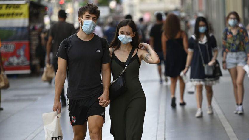 Leve descenso del coronavirus en España: Sanidad notifica 328 muertes y 15.156 nuevos casos