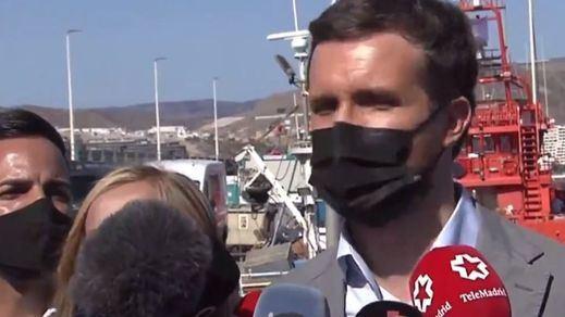 Casado viaja hasta el puerto de Arguineguín y culpa directamente a Sánchez de la crisis migratoria de Canarias