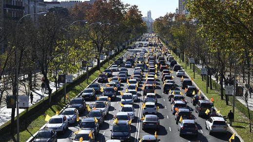 Miles de coches llenaron las calles del país este domingo para protestar contra la 'Ley Celaá'