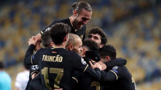 Barça y Sevilla se meten en octavos de Champions a lo grande