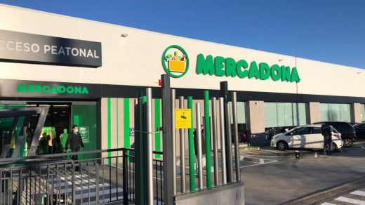 Mercadona inaugura su nuevo modelo de tienda eficiente en Parla (Madrid)