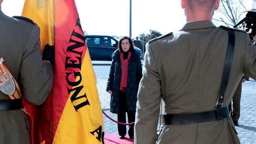 Robles minimiza la alerta por el grupo de militares golpistas y asegura que las Fuerzas Armadas son democráticas