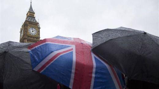 Todo listo en Reino Unido para empezar a vacunar contra la covid mientras Europa espera la aprobación