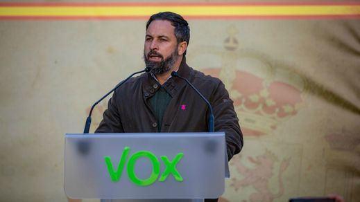 Tensión en el acto de Vox en Barcelona para conmemorar la Constitución: se investigan proclamas fascistas y banderas neonazis