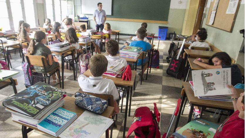 Los estudiantes españoles de Primaria retroceden en ciencias y se estancan en matemáticas