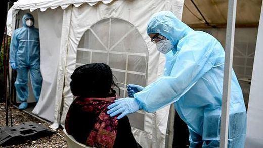 Estados Unidos podría empezar a vacunar masivamente contra el coronavirus el próximo lunes