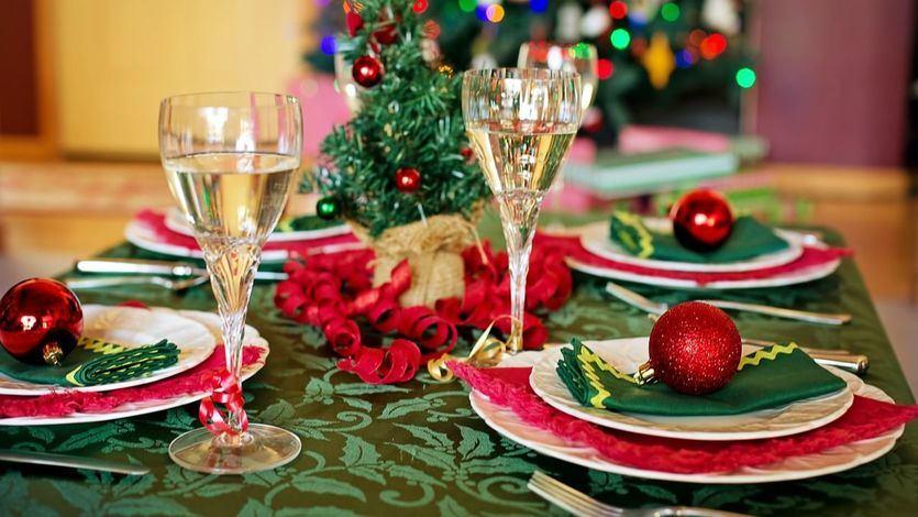Reunirse 'sólo con convivientes', la opción más segura en Navidad para los expertos