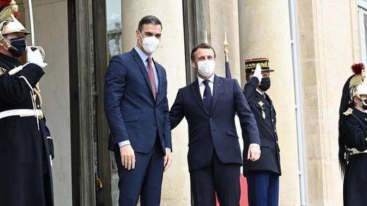 Sánchez, en cuarentena tras el positivo de Macron, con quien compartió un almuerzo privado el lunes