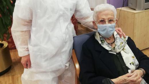 Sánchez, exultante tras comenzar la vacunación en España: