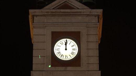 Todo listo en la Puerta del Sol para la que será la Nochevieja más atípica