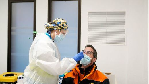 El coronavirus sigue en ascenso: 16.716 nuevos casos y 247 muertes