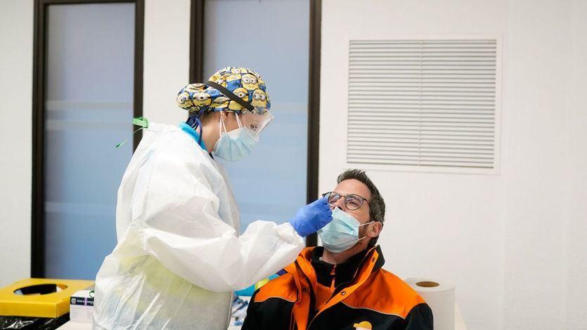 Sanidad suma 30.579 contagios y 241 fallecidos desde Nochevieja