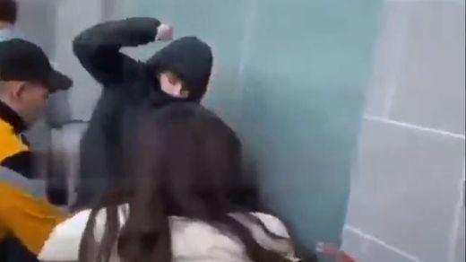 Brutal agresión a un joven autista en Barcelona