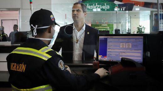El chavismo se toma la revancha y amenaza a Guaidó con una investigación