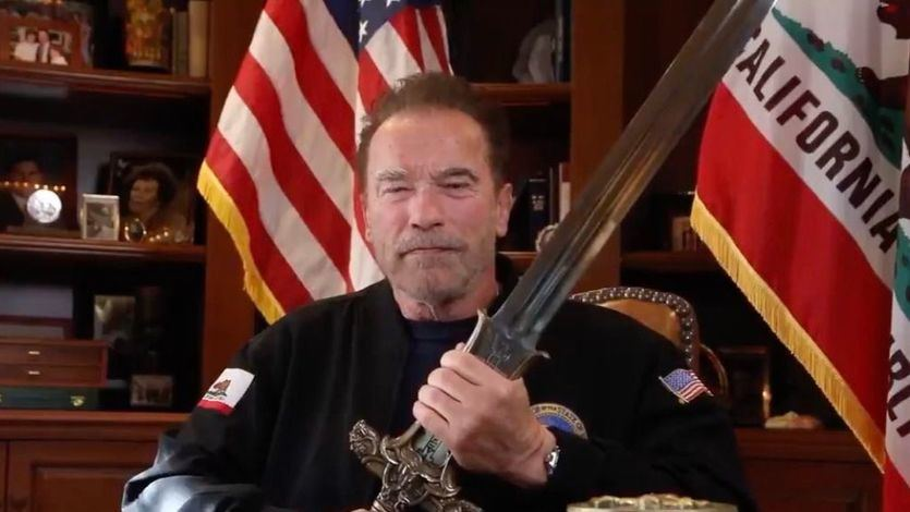 El vídeo de Schwarzenegger sobre Trump del que todos hablan: saca la espada de Conan
