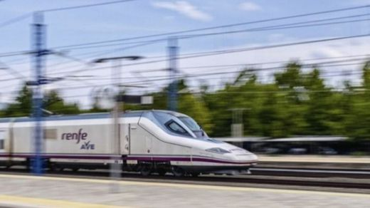Renfe obtiene el sello SGS 'Disinfection Monitored' para su toda flota de Ave, Larga Distancia y Avant