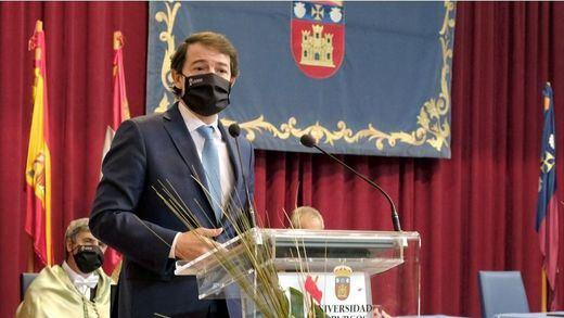 Castilla y León desafía a Sanidad y publica la orden que adelanta a las 20.00 horas el toque de queda