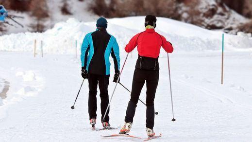 Andalucía permite saltarse los cierres perimetrales a los esquiadores y cazadores