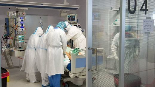 Sanidad suma 34.291 nuevos contagios y 404 fallecidos y la incidencia supera la barrera de 700 casos