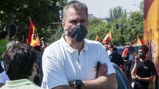 Ortega Smith revoluciona la campaña catalana al asegurar que Vox haría president catalán a Illa